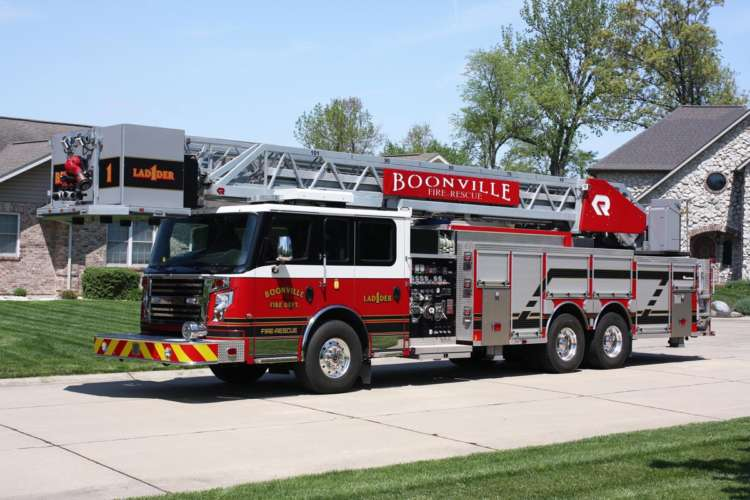 Booneville-FPD-101-foot-Rear-Mount-Platform