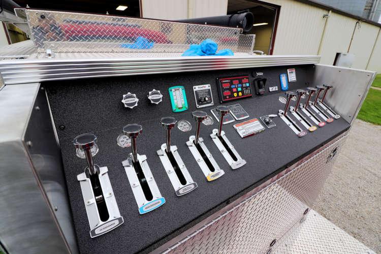 Pump-Panel-top-mount